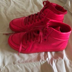 Gucci Shoes - Women's hot pink GUCCI neon sneakers sz 37